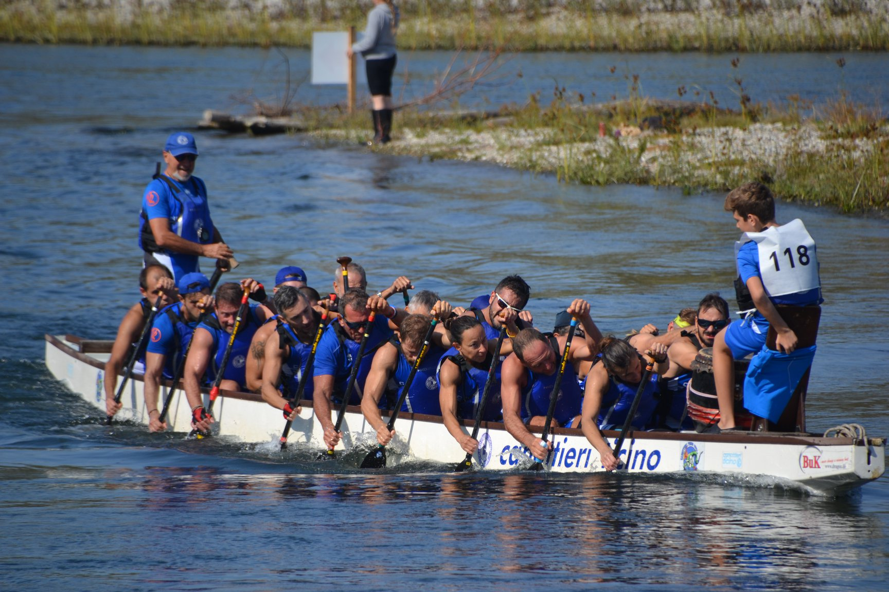 Read more about the article DRAGON BOAT – TRAINING SESSION
